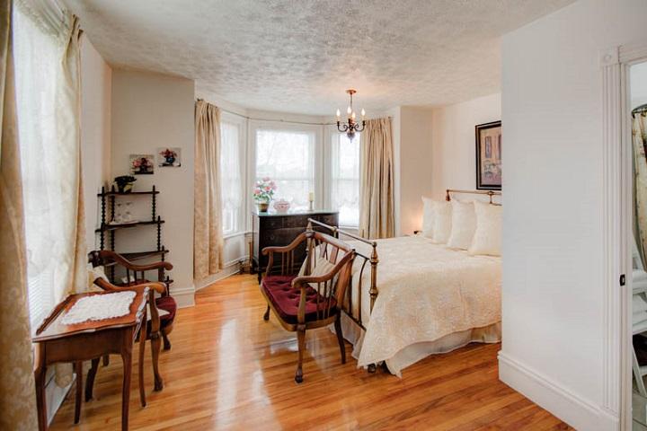 O Berge du Pignon Waterloo Cowansvile – Hébergement Cantons de l'Est hôtels, auberges, gîtes et B&B