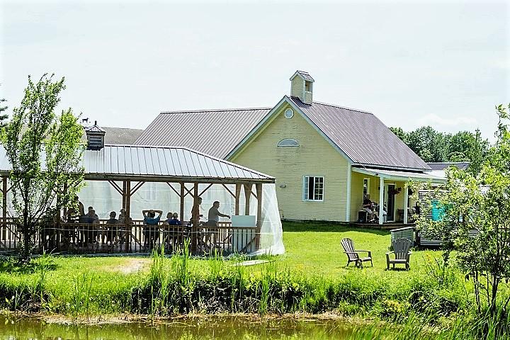 Vignoble ,École du 3è Rang ,oenotourisme ,visite de vignobles ,cépages ,dégustation ,Cantons de l'Est, Estrie ,Sélection Vindici ,Sud du Québec ,