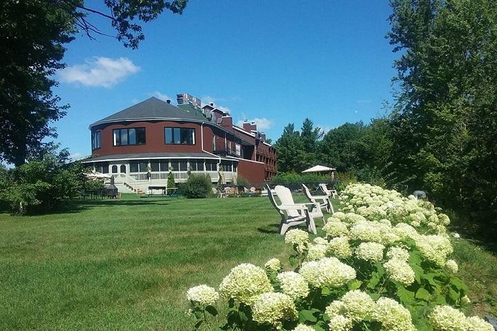 Hôtel Suites Lac-Brome - Meilleurs hôtels, auberges, gîtes et B&B à proximité des vignobles